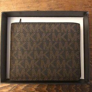 Michael Kors men's wallet 🎈New